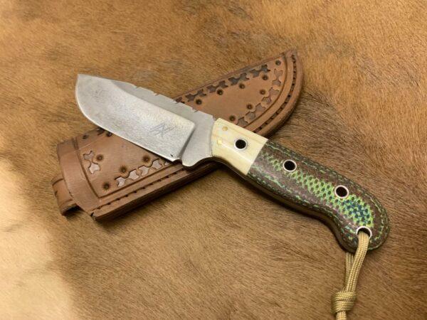 Alexander Conchar - Stonewashed Giraffe Bone Hunting Knife side profile